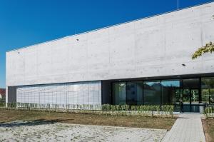 Trattamento idrorepellente, velante e pigmentato del beton a vista