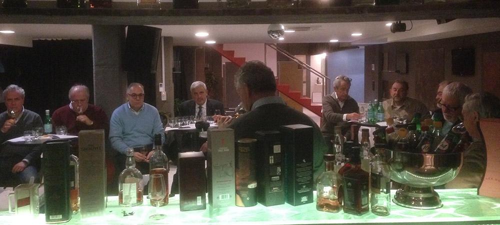 Vom Lions Club organisierter Whisky-Degustationsabend